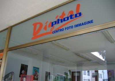 grafica adesiva vetrina centro foto immagini